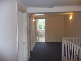 Large one bed roomed 3rd Floor Flat 1 mile from city centre Bath