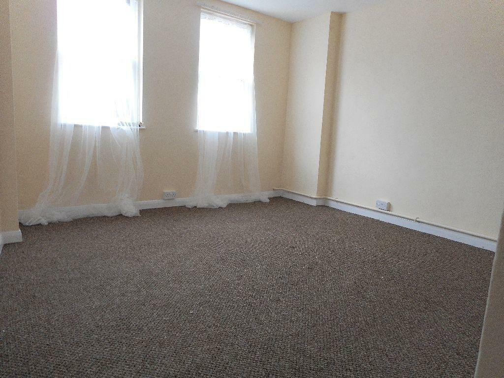 MANOR PARK Spacious One Bedroom Flat With Garden In Manor Park London G