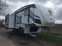 5th Wheel Caravan For Hire In Lincolnshire - Now Available For Holidays And Events