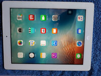 Apple iPad 3 WiFi + Cellular White c/w Charger & USB Lead