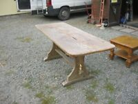 VINTAGE LONG SOLID PINE TABLE. SITS 8 EASILY. OLD TABLE. INDOOR / OUTDOOR USAGE. VIEWING/DELIVERY