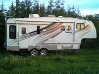 24 ft Prowler 5th wheel Camper
