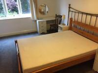 Double room in West Acton