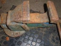 "Heavy duty 4"" bench vice"