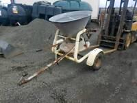 Quad 4x4 tractor towable salt fertiliser spreader
