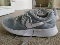 Men shoes trainers