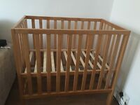 Mamas and Papas baby cot in excellent condition