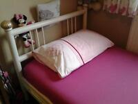 Single Bed, Metal Frame, Can Be Dismantled.