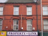 £75 pw! Tenant wanted to live in 5 bed with 4 students.