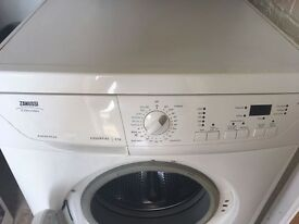 Zanussi washer dryer 6kg/white
