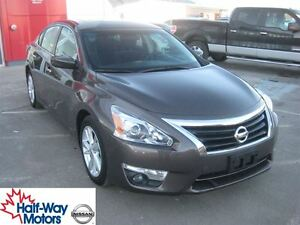2013 Nissan Altima 2.5 SV | Stylish & Affordable!