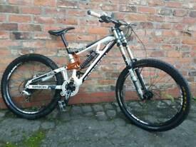 Saracen myst pro/downhill bike
