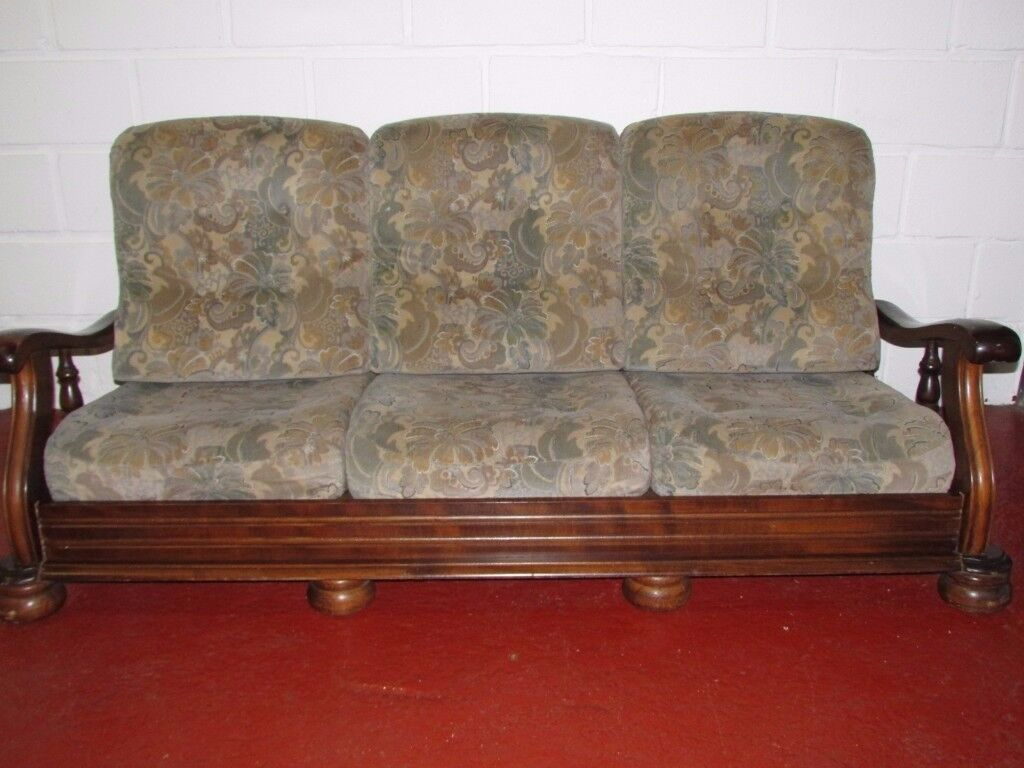 3 SEATER SOFA PICK UP IN GARSTON