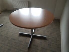Office breakout table w/4-prong chrome legged, maple tabletop