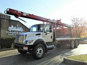 2006 International 7400 Roofers conveyor,23ft deck,forklift prov