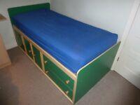 Matching Bed & Furniture set