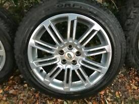Land Rover Discovery 4 20 inch alloy wheels with Pirelli tyres