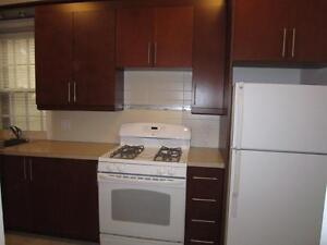 NDG - SHERBROOKE W. – RENOVATED AND HEATED 3 1/2