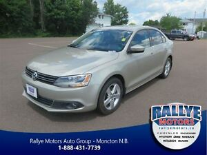 2013 Volkswagen Jetta TDI! Diesel! Sunroof! Heated! Bluetooth!