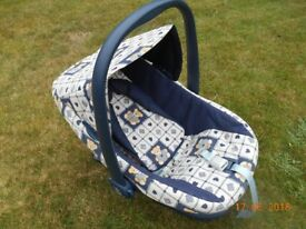 0-13kg rear facing baby carseat/carrier. Smoke and pet free home