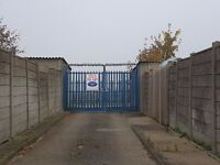 Garages to Rent: Grove Road, Houghton Regis - ideal for storage/ car etc- GATED SITE