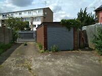 Double garage and parking in Stratford / Forest Gate E15 to let. Parking or storage. 24 hour access