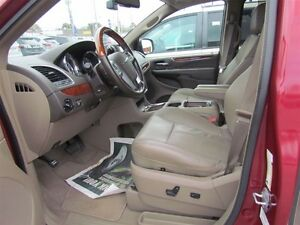 2012 Chrysler Town & Country Limited   NAV   CAM   LEATHER   ROO London Ontario image 10