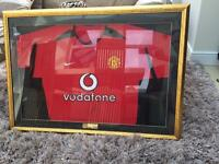 Signed ruud van nistelrooy Manchester United shirt with frame.