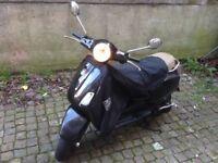 Piaggio Vespa LX125 Black £980