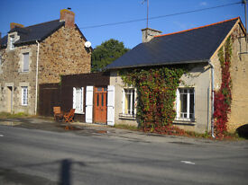 Small House and land close to Dinan/St Malo France