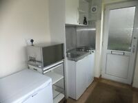 1 Bedroom Flat to rent at 102 Bryn Road