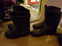 2 pairs of armoured biker boots