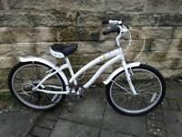 Apollo tropic bike suitable for Girls/ladies