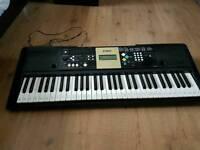 Yamaha keyboard YPT-220 with box