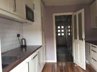 Spacious 2 bedroom house - Firhill Street