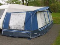 Awning fit 15 ft to 17 ft Caravan excellent condition