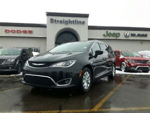 2017 Chrysler Pacifica BACK IN BLACK,FAMILY READY