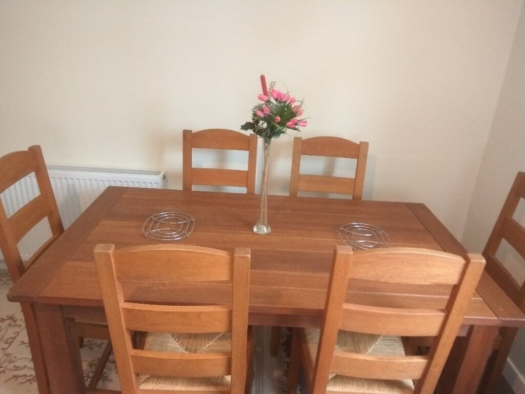 Urgent SaleDining Table With 6 Chairs