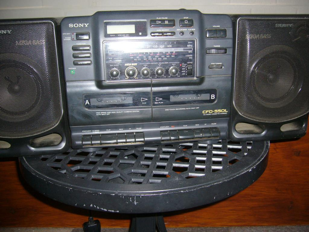 sony portable stereo cd radio cassette player in ealing. Black Bedroom Furniture Sets. Home Design Ideas