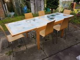 Stunning diner table with 6 chairs