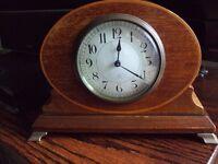 Lovely antique mantle clock. £40.00