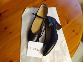 Pair of black stage dance shoes with kitten heel. Excellent condition. Size 6. Collect in Knutsford