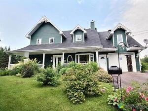 389 000$ - Maison 2 étages à vendre à Lac-Kénogami
