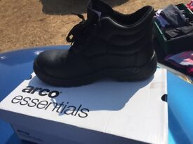 Steel toecap safety boots