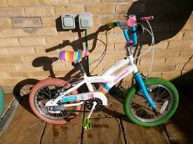Excellent condition girls Avigo bike