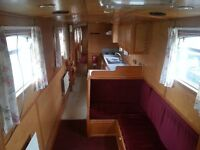 FULLY FURNISHED HOUSEBOAT. RURAL LOCATION NR TAMWORTH. 5 MINS FROM M42/A5