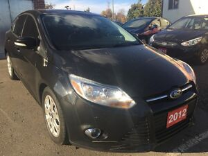 2012 Ford Focus SE | Moonroof | Heated Seats | Large Cargo Space