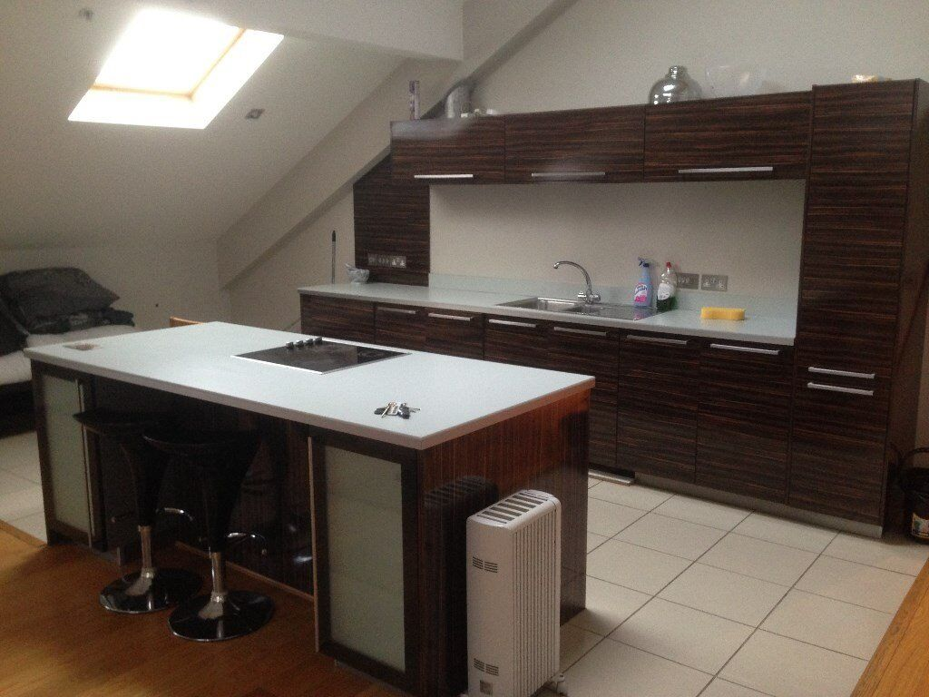 SERVICED PENTHOUSE APARMENT FOR WEEKLY STAY at £99 PER NIGHT