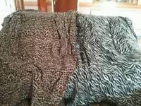 2 SNUGGLY FLEECE BLANKETS WITH ARMS