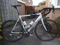 Canyon Ultimate CF Carbon Road Bike XL58cm Campagnolo Athena 11speed Groupset Gipiemme Techno Wheels